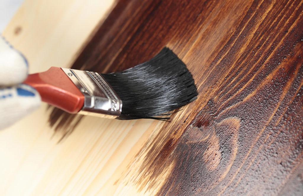 Как правильно красить дерево