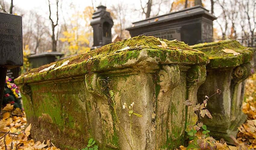 знаменитые кладбища в Москве