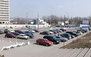 Автостоянки у станции метро Алтуфьево