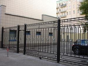 Ворота, решетки и ограды металлические в Москве